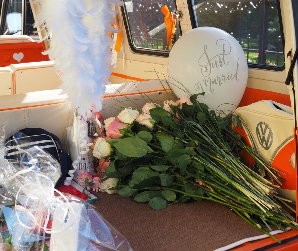 Platzwunder VW T1 - für viele Geschenke